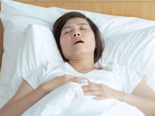 Cảm thấy khó thở thở hụt hơi là do đâu?