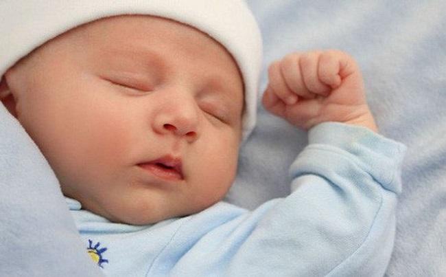Trẻ Sơ Sinh Ngủ Hay Bị Giật Mình