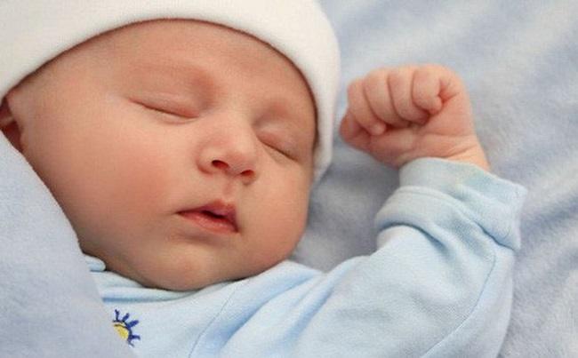 Trẻ Sơ Sinh Vặn Mình Nhiều Có Sao Không1